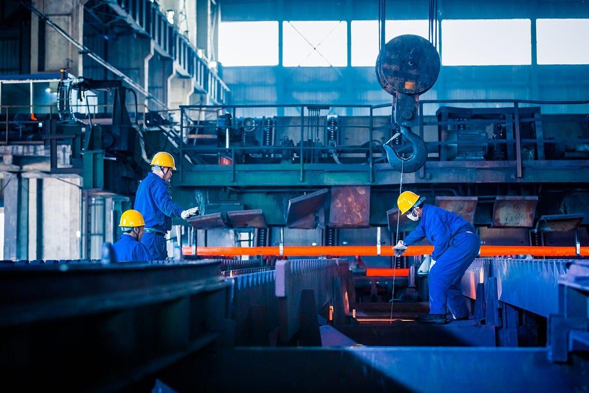 interior-view-steel-factory (1)